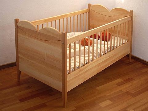purpur babybett carpinter a ebanister a madarvi. Black Bedroom Furniture Sets. Home Design Ideas